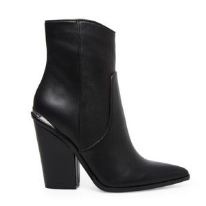 Steve Madden Rarely Bootie Black Leather